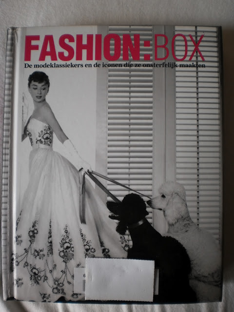 Fashion: Box, Book about the fashion classics and the iconen they made immortal