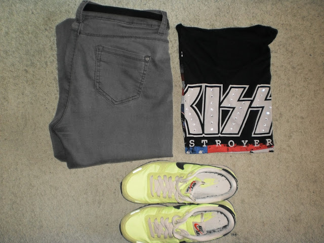 Outfit: Band T-shirt