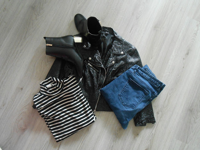 Black n Stripes outfit