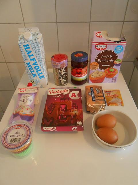 Cupcakes met chocolade, jam, en vanille